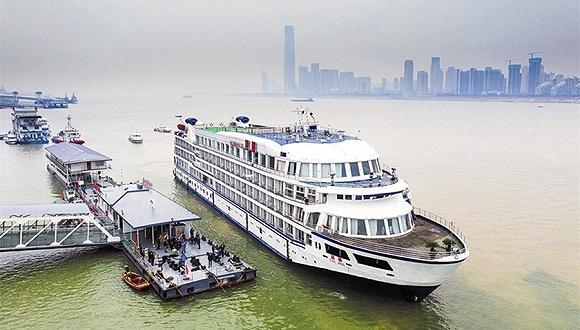 武汉紧急征用7艘游轮,为援汉医疗队提供住宿图片