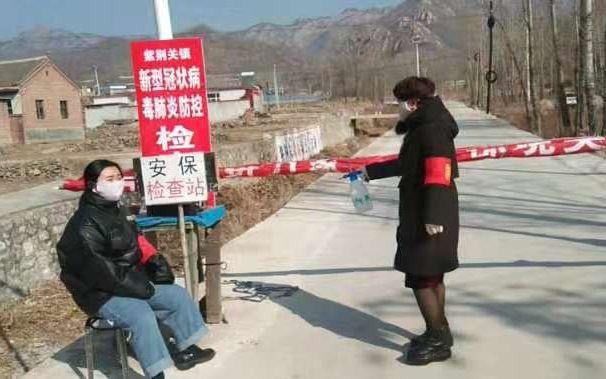 宝宝计划:易县碾子沟村母女同写请战书宝宝计划图片
