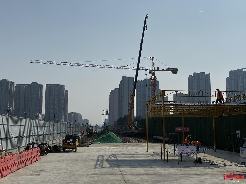 天府大道北延线(成德大道北延线)项目三环路至围城路段工程一标段施工现场