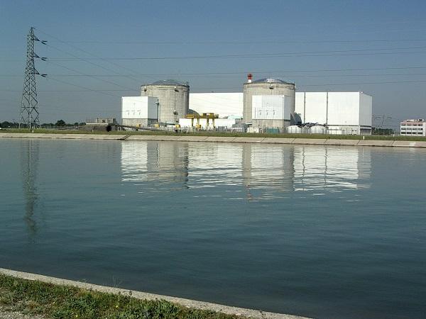 法国着手关闭最老核电站
