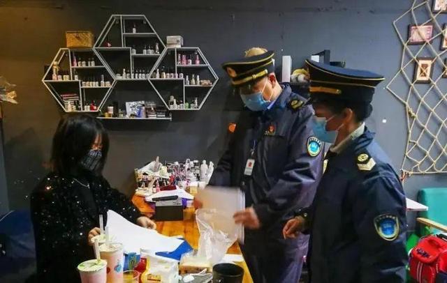 温州开出首张罚单!泰顺一理发店员工未戴口罩给顾客理发,被行政处罚