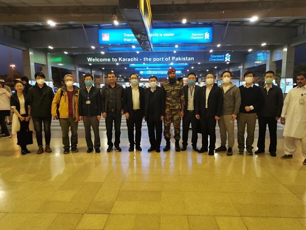 中国蝗灾防治工作组抵达巴基斯坦图片