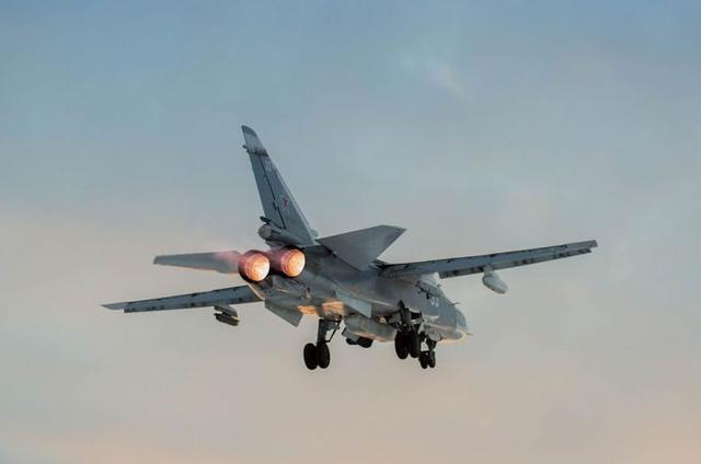 敢开第一枪?土军发射导弹攻击俄罗斯苏24,忘了当年的F16了吗?