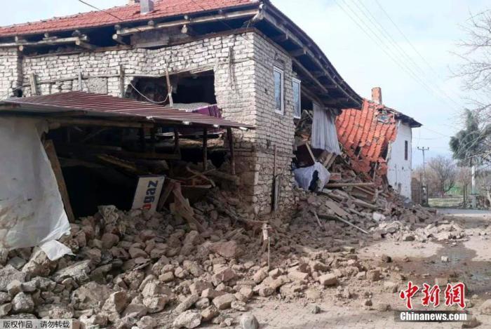 土耳其和伊朗边境发生5.7级地震 9人丧生逾百人受伤