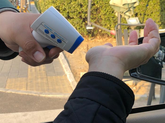 多图丨探营北京汽车4S店:门前冷落车马稀
