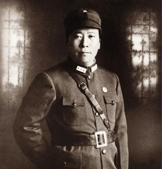 杨虎城遗体是如何找到的;将军父子一起被掩埋于戴公祠的花坛内