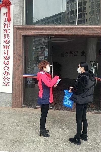 湖南省三八红旗手 周立波
