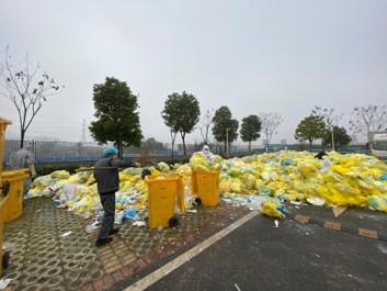 一天增加23吨 武汉医疗垃圾积压明显上升图片