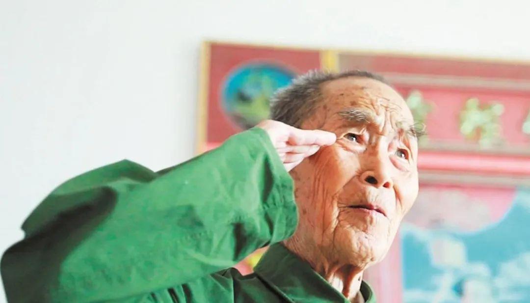致敬!94岁老司令去世,临终捐献全部积蓄用于疫情防控
