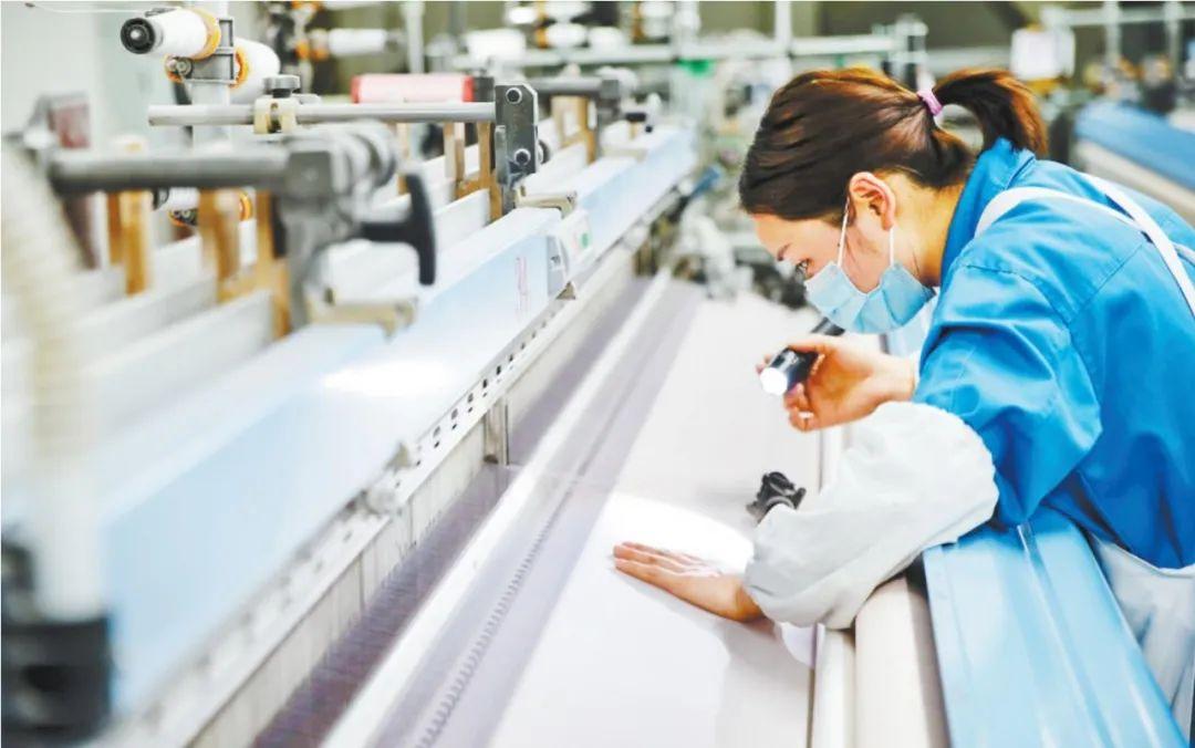 【关注】抓龙头企业带动产业链 重庆上万工业企业复工