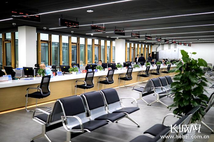 """【雄安战""""疫""""】雄安新区政务服务中心大厅2月26日起恢复正常运行"""