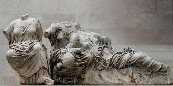 位于大英博物馆展厅内的帕特农神庙雕塑