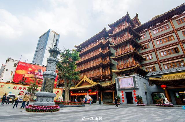 广州北京路步行街隐藏免费古寺,三尊大佛重30吨,游客并不多