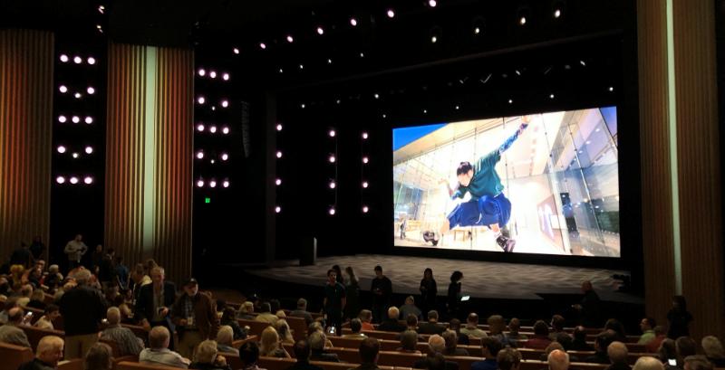苹果在乔布斯剧院办年度股东会,库克称疫情仍是挑战