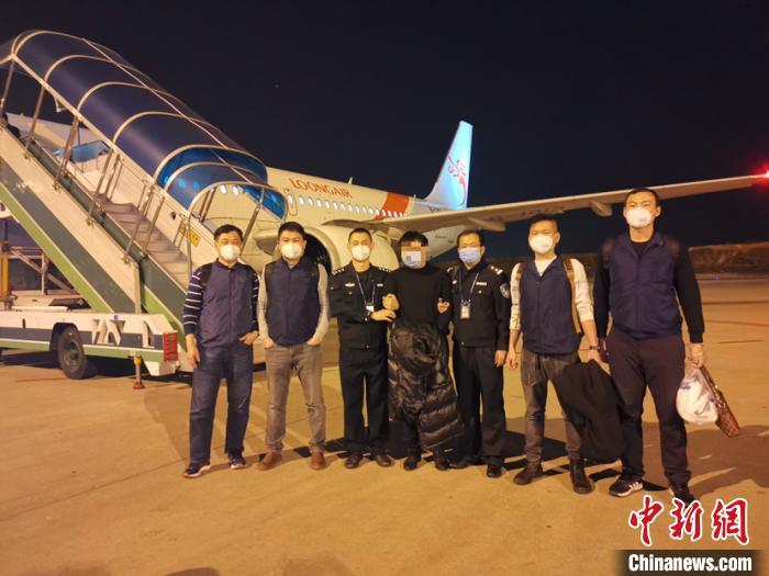 广东警方快速侦破一涉疫网络诈骗案 案值超百万元