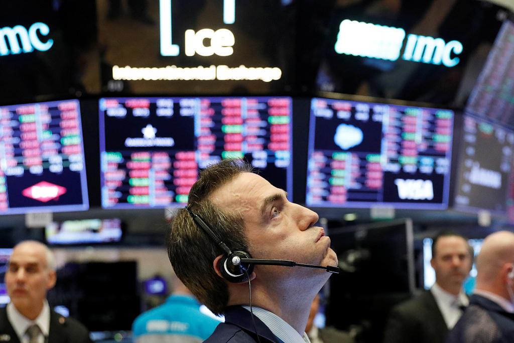▲新冠肺炎疫情在全球持续发酵,是此一轮全球股市暴跌的重要原因,也是投资者恐慌情绪的表达。资料图。图片来源:新京报网