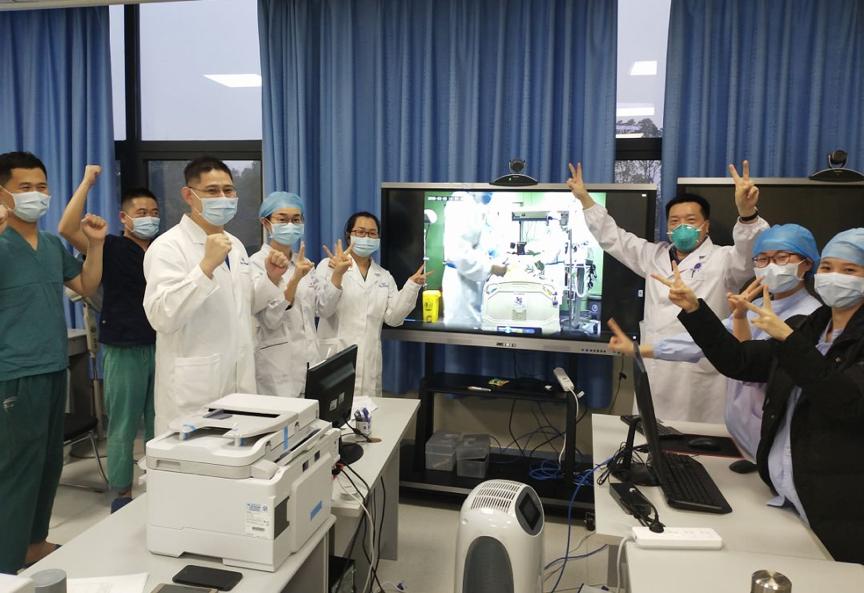 钟南山团队三次远程会诊 武汉新冠肺炎危重患者成功拔管图片