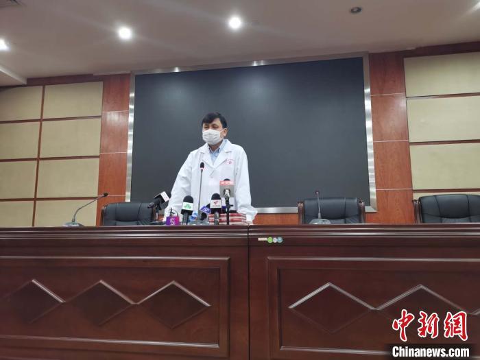 """张文宏:血浆疗法非""""立竿见影"""" 上海中西医团队很和谐图片"""