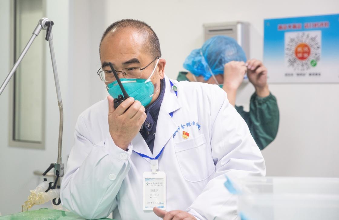 跑得更快才能抢回更多的病人 记武汉金银潭医院院长张定宇图片