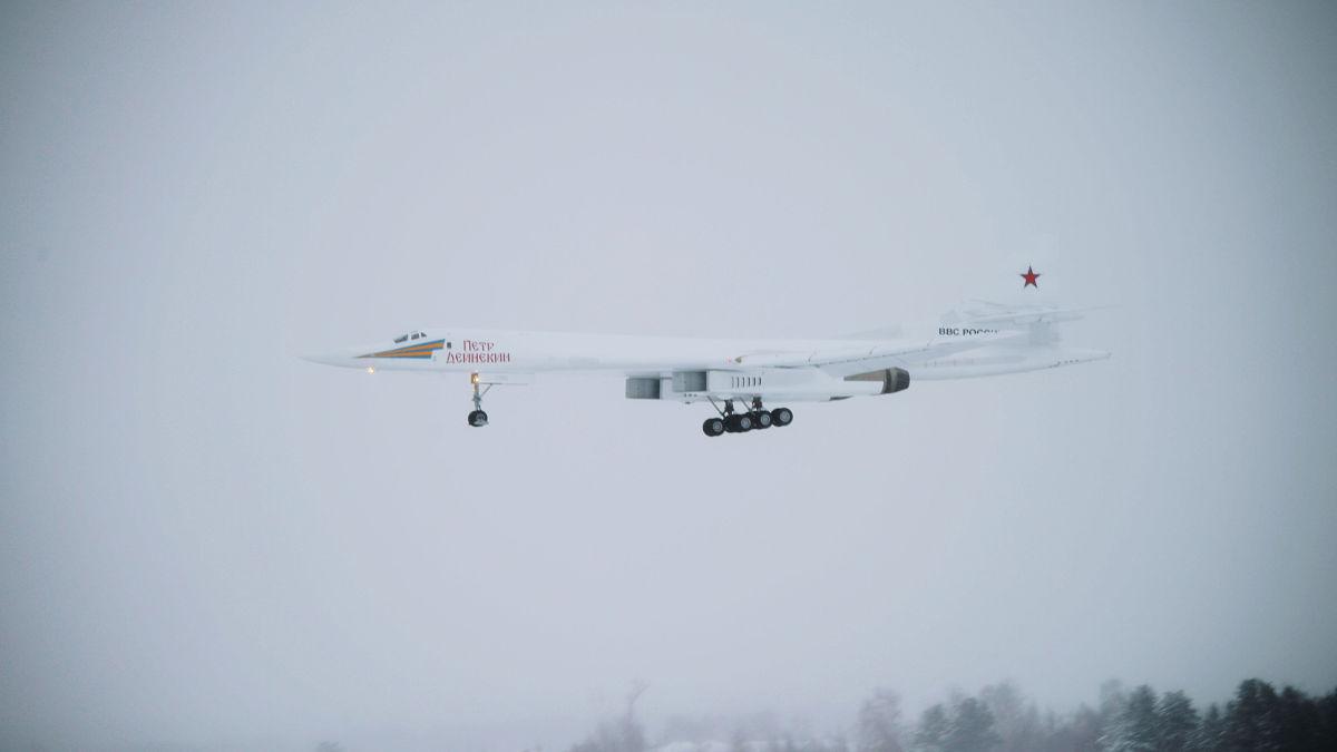 俄军图160M轰炸机首飞 明年将列装部队