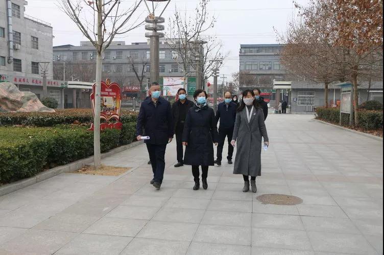 大荔县委书记刘莉深入镇村一线 城区各中小学校检查疫情防控工作