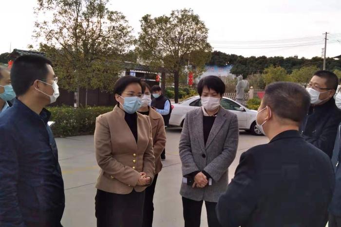 漳州:靠前监督,让党旗在防控疫情第一线高高飘扬图片