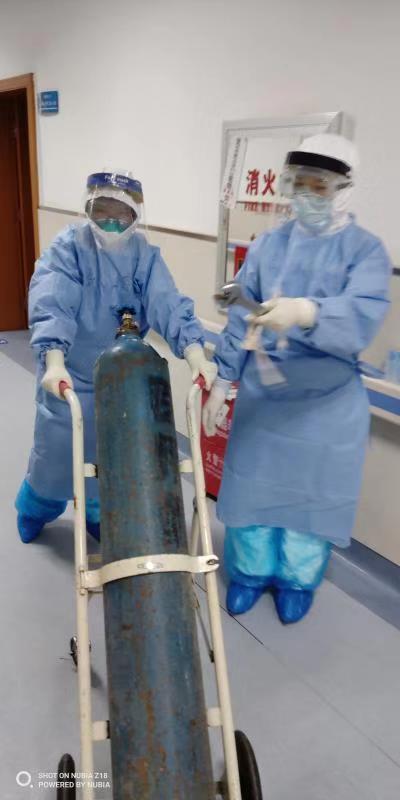 钟南山团队再捐一批制氧机给武汉汉口医院图片
