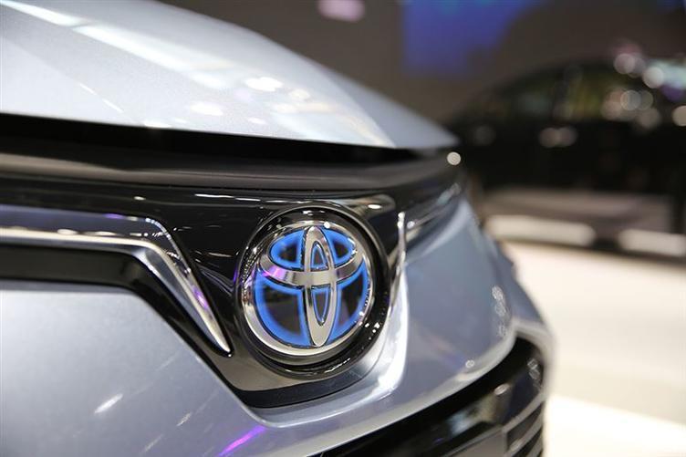 新能源汽车电池之争升级 丰田加