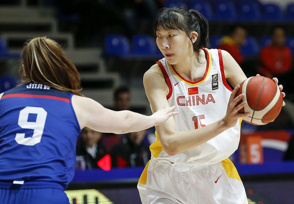 中国女篮出线形势乐观,但后两轮不能掉以轻心图片