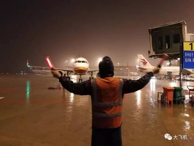 """这个春节ARJ21飞机""""不放假"""",我们""""不下线"""""""