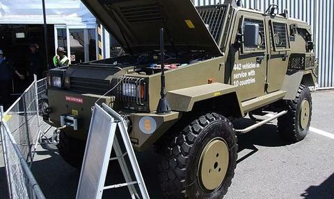 瑞典军方2辆装甲车离奇被盗:超40万美元 可配备攻击武器