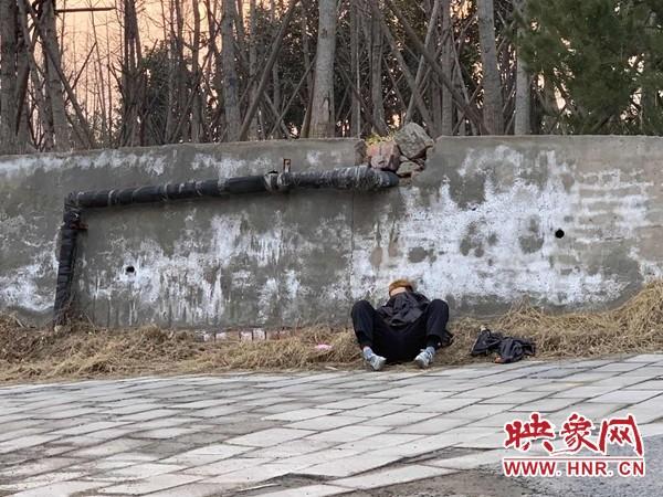 男子疑因与女友分手精神失常流浪郑州 疫情防控人员将其送到救助站