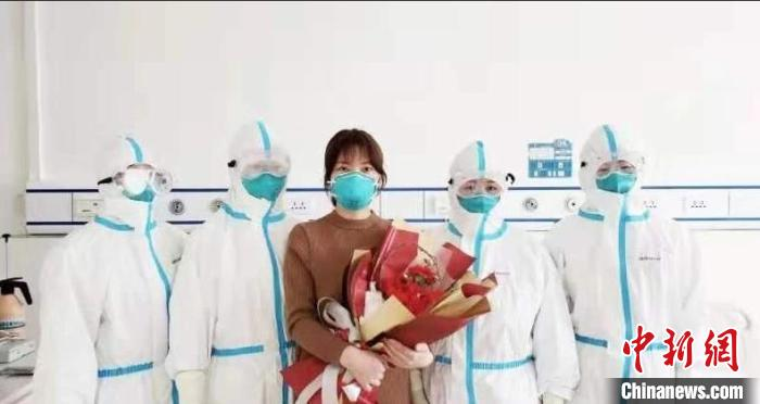 """内蒙古新冠肺炎患者出院后袒露心声:""""相信科学相信医生""""图片"""