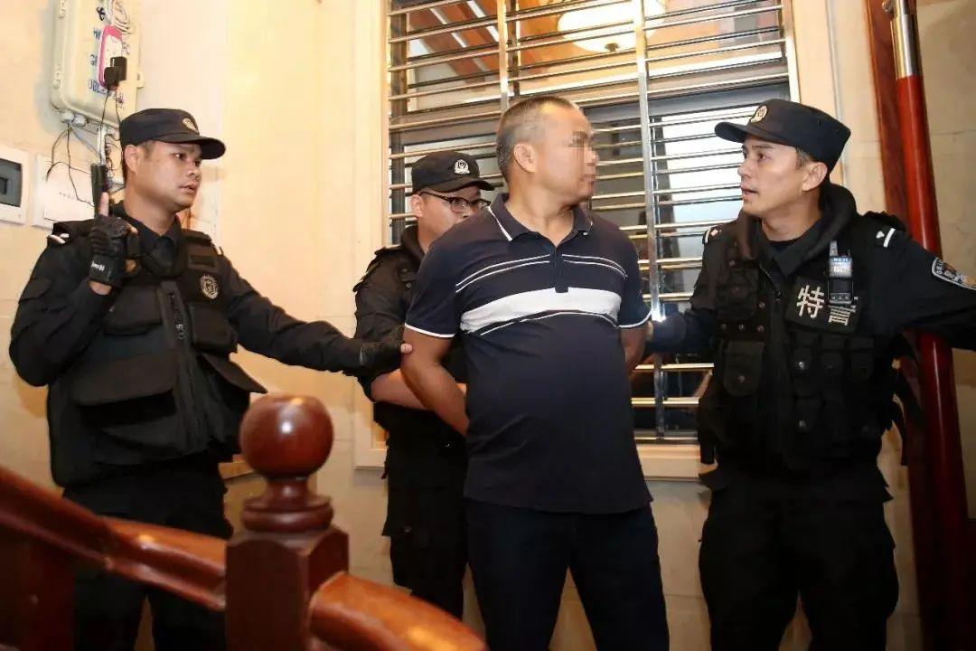 公安分局原副局长为首的70人涉黑团伙,被公诉图片
