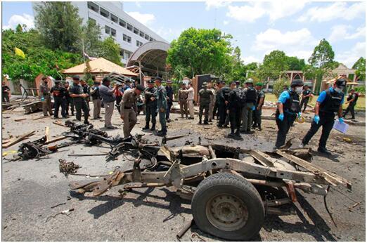 「环球网」泰国也拉府一政府机构外发生爆炸,致18人受伤