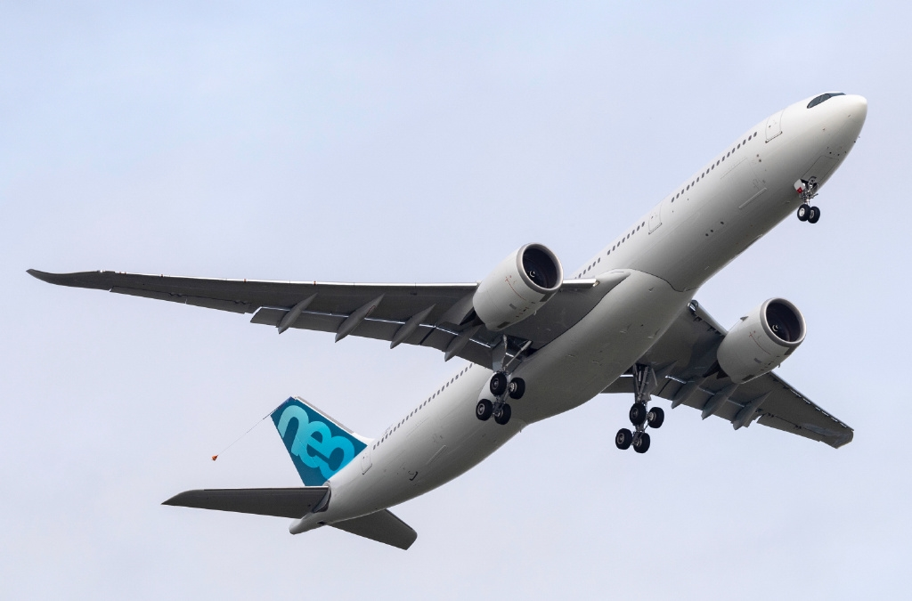 空客新A330neo完成首飞:最大起飞重量251吨