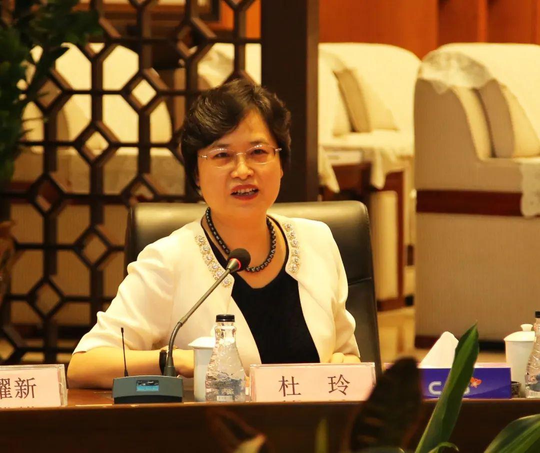 升市领导,她是深圳首位女区长和首位女区委书记图片