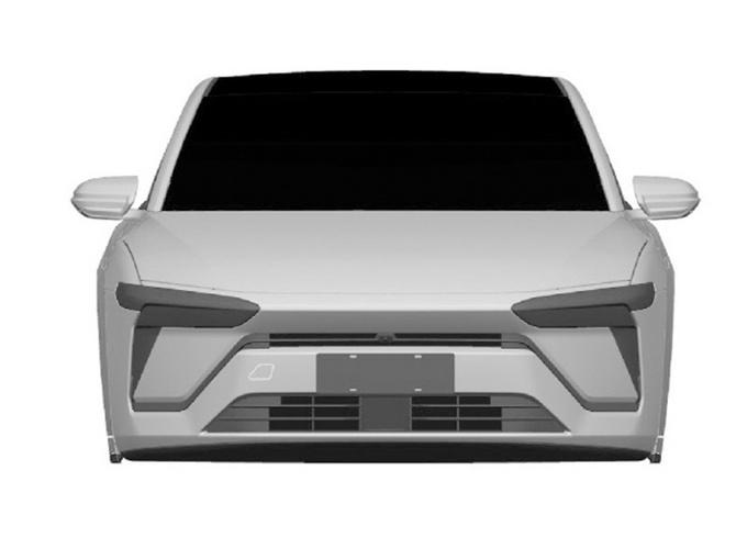 蔚来首款轿车实拍曝光 溜背式设计
