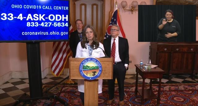 """俄亥俄州卫生部主任艾米·阿克顿发布会解释""""限药令""""的必要性"""