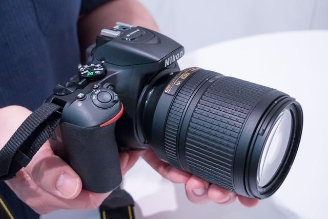 尼康D5600相机和18