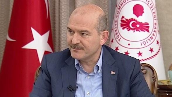 △图为土耳其内政部部长苏莱曼·苏伊鲁