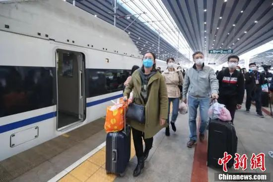 1万多人从湖北乘高铁返京,谁能回?怎么回?图片