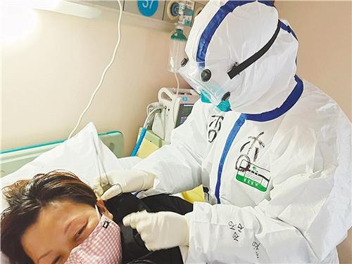 婚纱、战袍一样美——记广州中医药大学第一附属医院支援武汉医疗队队员唐杏杏