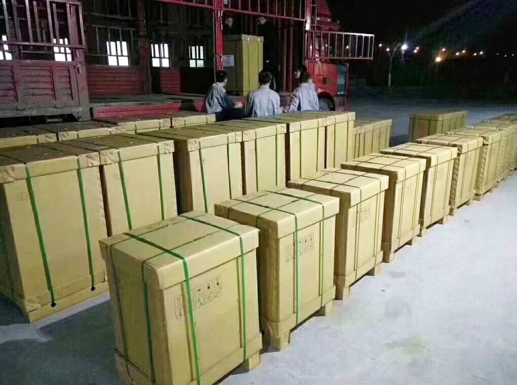 全球疯抢中国呼吸机,订单已排到6月!通用、劳斯莱斯、宾利等车企欲转产呼吸机图片