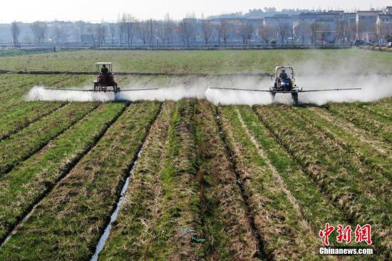 农业农村部:各地投入春季生产农机具总量预计超2000万台套图片