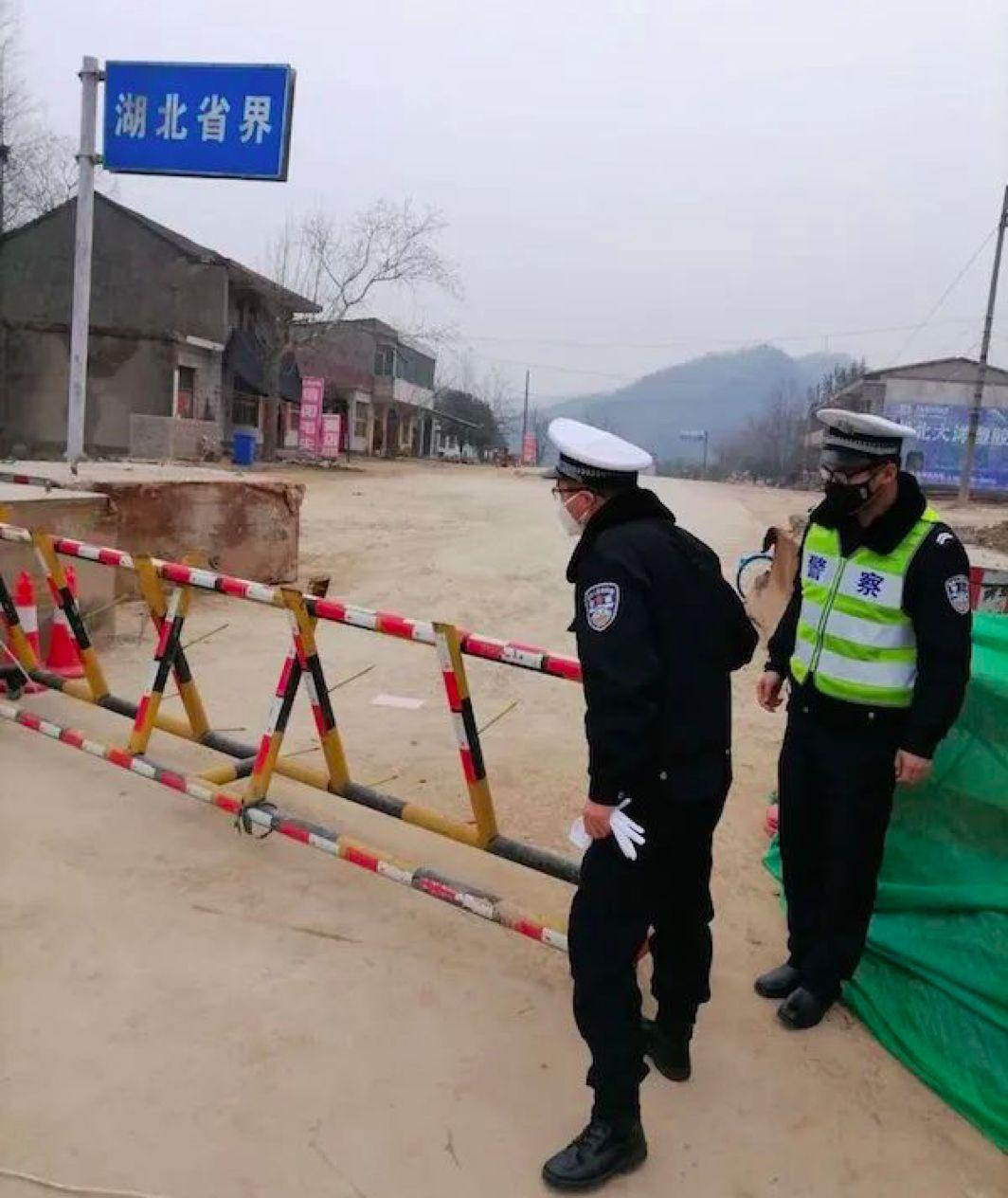 独自进武汉当心理志愿者,我竟也两次崩溃图片