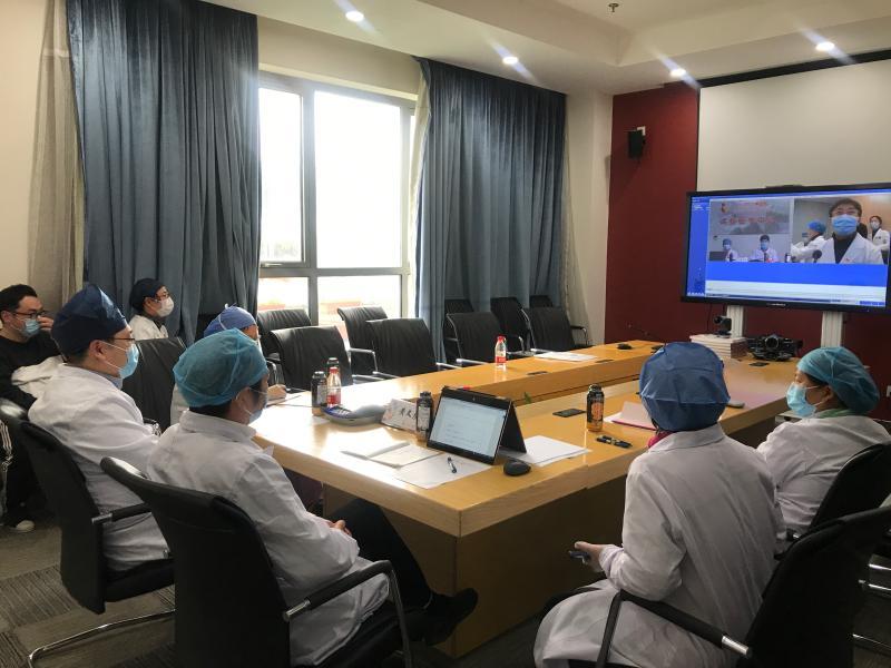 """上海儿童互联网医院为疫区患儿送""""及时雨"""":湖北黄石肾脏病患儿收到救急药"""