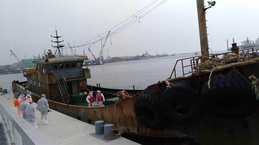 """台媒:台海巡队又以""""越界""""为由扣留大陆渔船图片"""