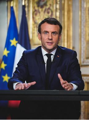 △法国总统马克龙发表全国电视讲话