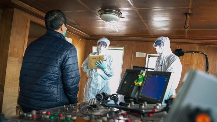 境外疫情蔓延,一艘外轮还企图走私非法入境?已被上海边检查获!图片